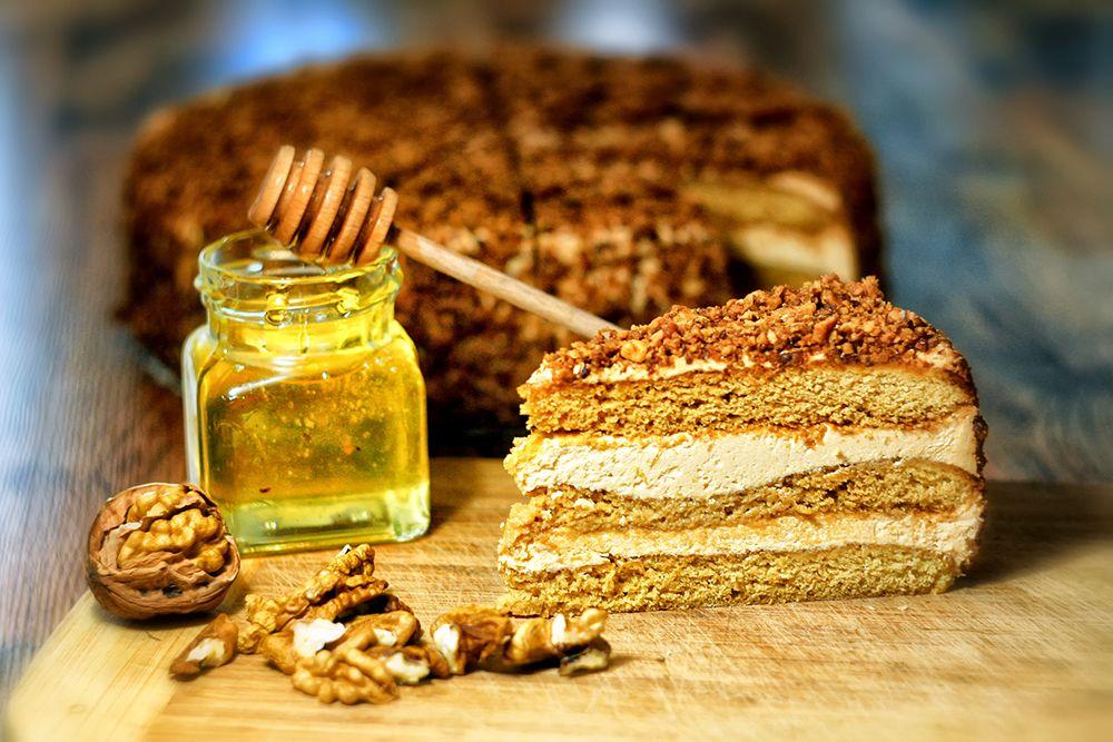 Medovo orechová